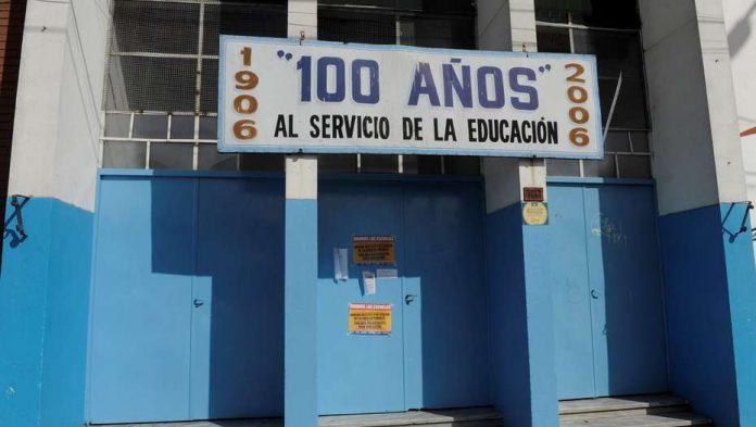 Chicos dejan la escuela pública