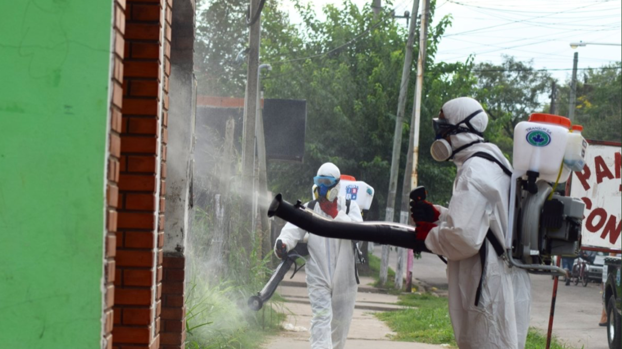 fumigación en barrios de Pilar por coronavirus